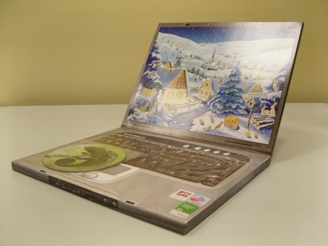 Cokelat bentuk laptop